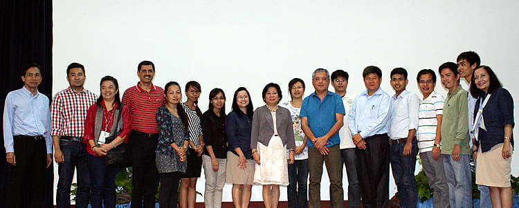 (From left) Dr. Bounheuang Ninchaleune, Mr. Saiful Rizal bin Haji Marali, Dr. Kanyanat Sirithunya, and Prof. Prakash Kumar together with Dr. Ngo Bunthan (sixth from right), Dr. Gil C. Saguiguit, Jr. (eighth from right), Dr. Virginia R. Cardenas (ninth from left), Dr. Bessie M. Burgos (eighth from left), and Dr. Maria Celeste H. Cadiz (rightmost) pose for a souvenir photo with Cambodian SEARCA scholars studying at the University of the Philippines Los Baños during the GB members' visit to the Center on 19 November 2014.