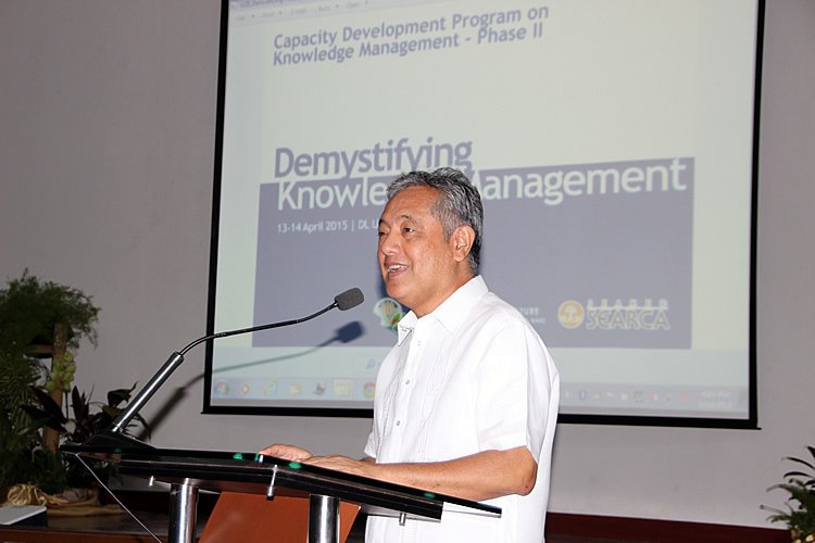 "Dr. Gil C. Saguiguit, Jr., SEARCA Director, welcomes the participants of the back-to-back training titled [i]""Demystifying Knowledge Management (KM)""[/i] and [i]""Knowledge Sharing for your Work: Techniques and Tools for Project KM.""[/i][br](Photo courtesy of DA-BAR)"