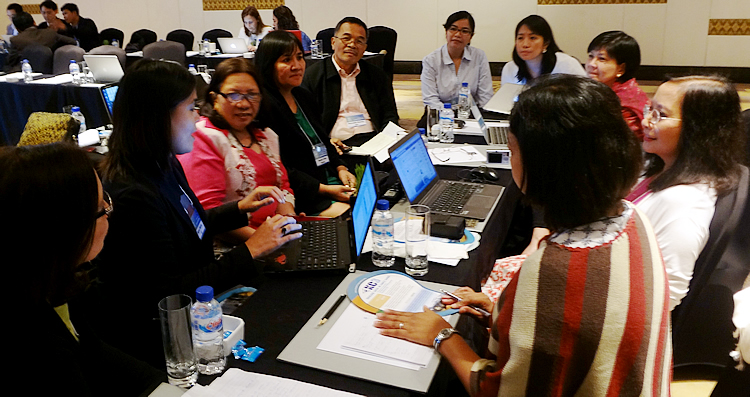 Dr. Maria Celeste H. Cadiz (rightmost), Program Head for Knowledge Management at SEARCA, joins Philippine stakeholders, implementers and consultants in the TA workshop that elicited current work on KM and information sharing on climate change in the Philippines and region.