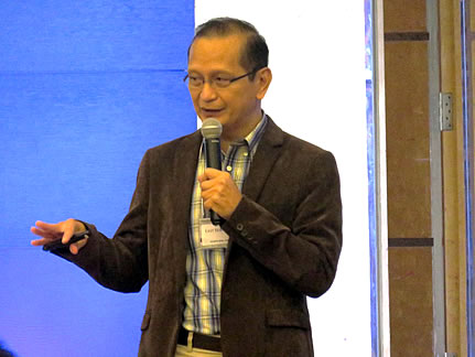 Dr. Leocadio S. Sebastian, Regional Program Leader for Southeast Asia of CGIAR-CCAFS giving his insights on the umbrella program during the closing ceremonies.