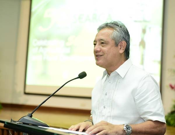 Dr. Gil C. Saguiguit, Jr.  welcomes the participants in the regional forum