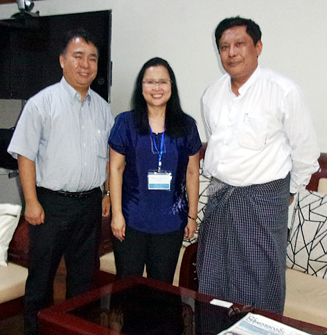 Dr. Bessie Burgos of SEARCA and Dr. Romy Labios of IRRI with Dr. Ye Tint Tun, Director General of the Department of Agriculture and Governing Board Member of SEARCA.
