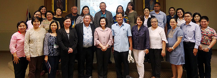 Twelve participants from DA AMIA teams and focal persons with organizers from SEARCA, the International Center on Tropical Agriculture (CIAT) and Department of Agriculture (DoA) – Thailand led by Dr. Waraporn Prompoj, Deputy-Director Genera (Front row, sixth from left)