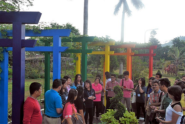 Visit to the UPLB Edible Landscaping Garden