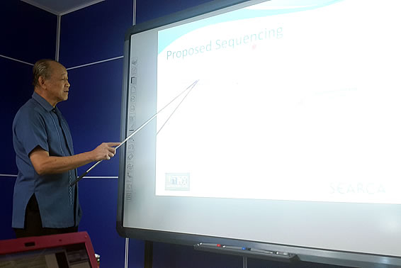 Dr. Serafin Talisayon, KM Policy Planning Specialist and Team Leader, during the Programming Exercise held on 7 January 2016 at PCC National Headquarters, Muñoz, Nueva Ecija.