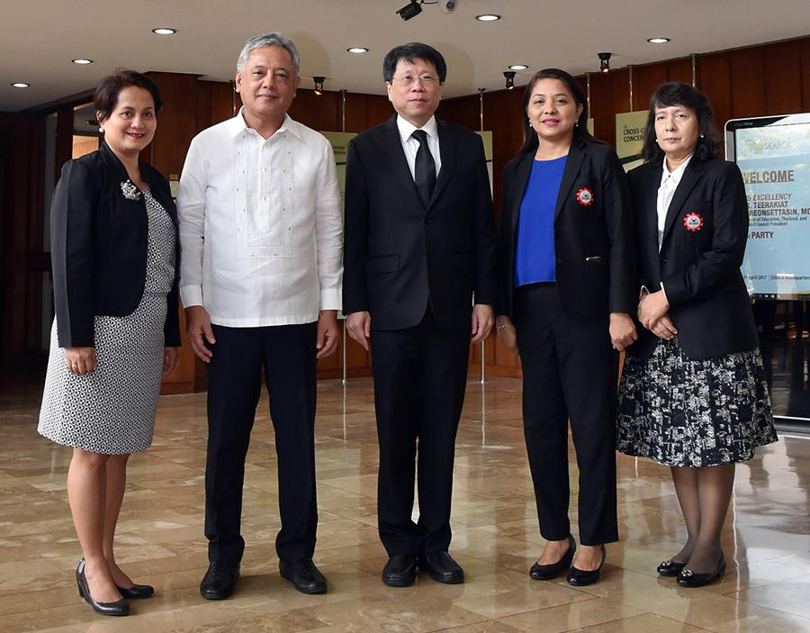 From left: Director Margarita Consolacion C. Ballesteros, External Partnerships Services, Department of Education, Philippines; Dr. Gil C. Saguiguit, Jr.; Minister Teerakiat Jareonsettasin; Dr. Ethel Agnes P. Valenzuela, Deputy Director for Programme and Development, SEAMEO Secretariat; and Ms. Nongsilinee Mosika, Director, Bureau of International Cooperation, Ministry of Education, Thailand