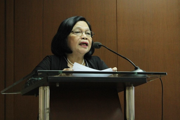Dr. Corazon T. Aragon, Project Leader, delivers the opening remarks.