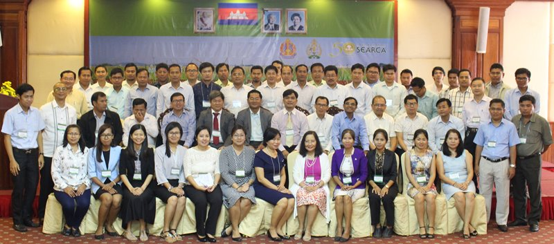 50 HEI participants pose with HE Touch Visalsok, MOEYS Undersecretary of State, 2nd row, center; Dr. Ngo Bunthan, RUA Rector and SEARCA Governing Board member, beside him; and workshop organizers and resource persons