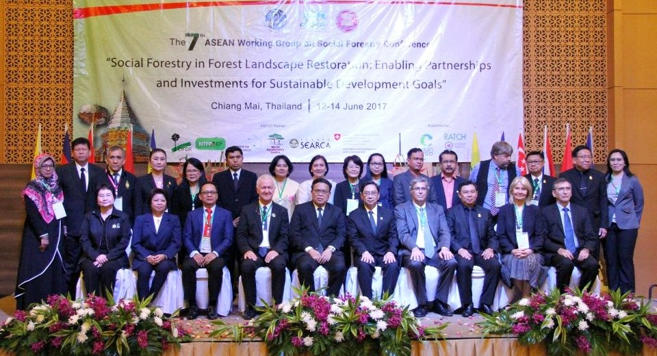 The ASEAN Working Group on Social Forestry Leaders and Focal Points with the ASEAN-Swiss Partnership on Social Forestry and Climate Change representatives (source: AWG-SF website)