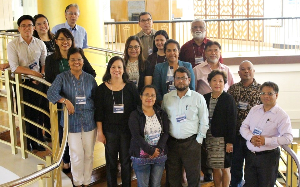 The delegates of the Workshop on the Development of a Regional Knowledge Management Strategy for Strengthened Agricultural Advisory Services in the Asia-Pacific Region held on 16 – 17 April 2018 at Dusit Thani Hotel, Manila, Philippines.