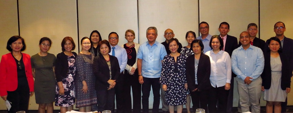 The forum participants with SEARCA Director, Dr. Gil C. Saguiguit, Jr. (center), and Dr. Doris Capistrano, Senior Adviser of the ASFCC  ( 5th from left first row).