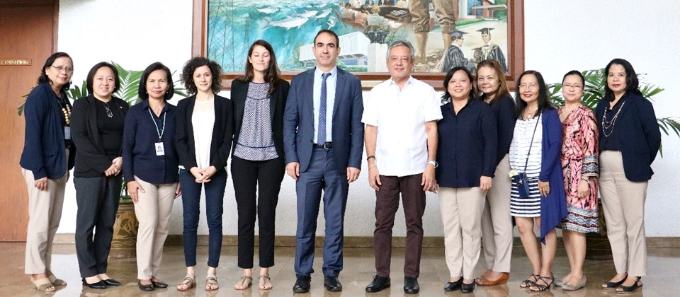 Visiting officials from the French Embassy in Manila Mr. Jean-Jacques Forte (sixth from left), Cultural Counsellor, Ms. Sarah Mahe (fifth from left), Attaché for Science and Research Cooperation, and Ms. Marina Battesti (fourth from left), Attaché for Higher Education and Linguistic, with Ms. Adoracion T. Robles (second from left), Officer-in-Charge, Office of the Deputy Director for Administration; Dr. Maria Cristeta N. Cuaresma (fifth from right), Program Head for Graduate Education and Institutional Development; Dr. Maria Monina Cecilia A. Villena (fourth from right), Program Head for Knowledge Management; Dr. Gil C. Saguiguit, Jr. (sixth from right), Senior Fellow and former SEARCA Director; Dr. Maria Celeste H. Cadiz (third from right) and Dr. Bessie M. Burgos (second from right), Technical Advisors, Dr. Nova A. Ramos (rightmost) and Ms. Rosario M. Bantayan (leftmost), both Program Specialist for Knowledge Management; and Ms. Carmen Nyhria G. Rogel (third from left), Program Specialist for Research and Development.