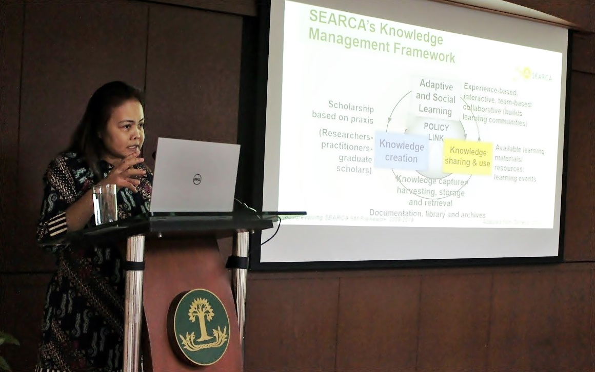 Dr. Maria Monina Cecilia Villena, SEARCA Program Head for KM, presents the center's KM framework to the learners.
