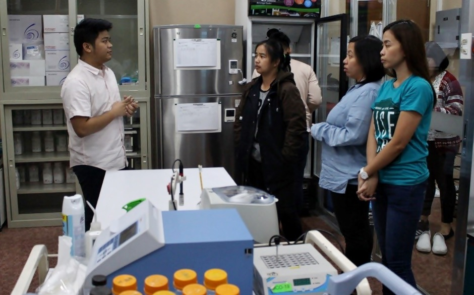 IKM learner-participants tour the laboratories at the NFRDI Office.
