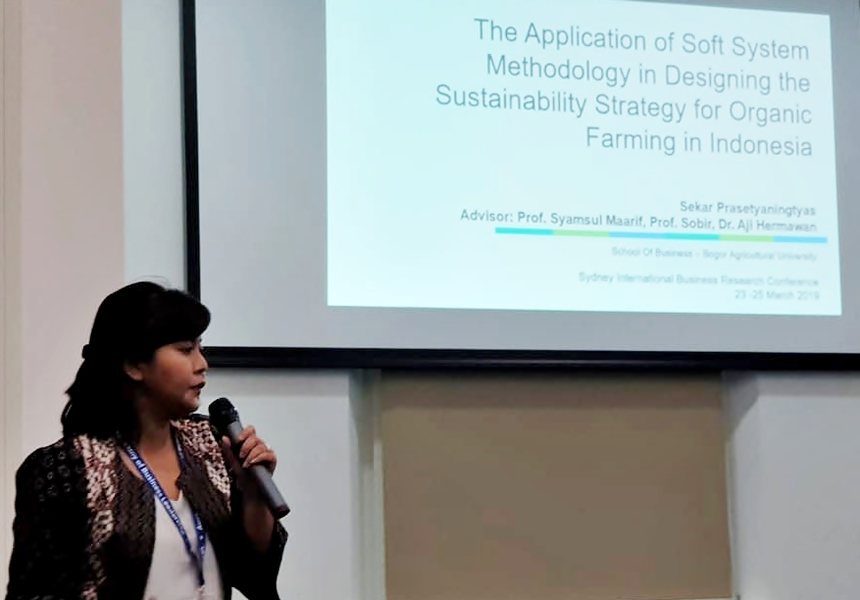 SEARCA scholar presents conference paper on organic farming sustainability strategy