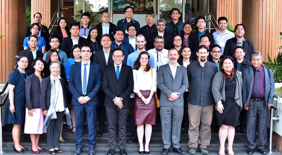 Training workshop participants and resource persons from IRD with Mr. Jean-Jacques Forte, Cultural and Cooperation Counsellor, Embassy of France in the Philippines (first row, 4th from left) and Mr. Joselito G. Florendo, SEARCA Deputy Director for Administration (first row, 5th from left).
