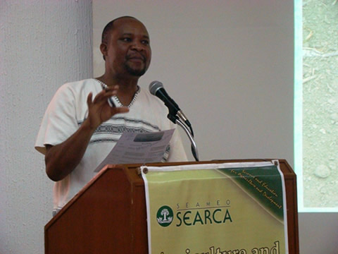 Dr. Roy Mugiira, Acting Chief Executive Officer of Kenya's National Biosafety Authority, talks about the status of his country's biosafety framework at SEARCA's Agriculture and Development Seminar Series held on 19 May 2011.