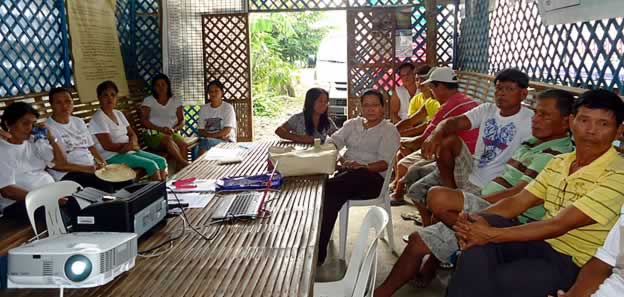 The members of Tanglaw Buhay Multi-Purpose Cooperative during their special General Assembly on 11 August 2014 in Peñaranda, Nueva Ecija.