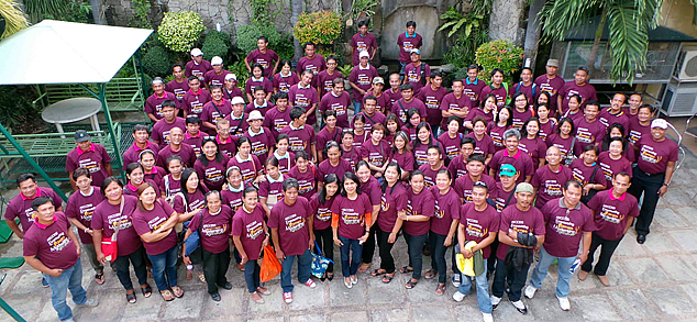The farmer technicians from the seven ARBOs in Nueva Ecija, the SEARCA Project Team, and DAR Officials posed for a souvenir photo during the Graduation Ceremony of Farmer Technicians under the ARCCESS project on 26 September 2014 at De Luxe Restaurant in Cabanatuan City, Nueva Ecija, Philippines.