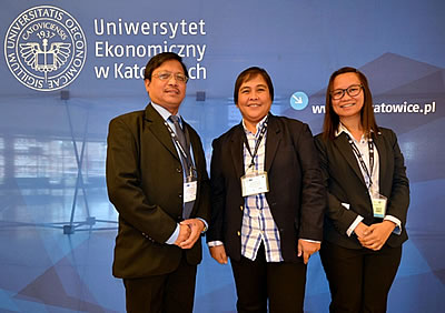 From left: Dr. Lope B. Santos III of SEARCA, and Ms. Lapitan and Ms. dela Cruz of DA-BAR represented the Philippines in the KM Conference 2015 held at the University of Economics in Katowice, Poland.