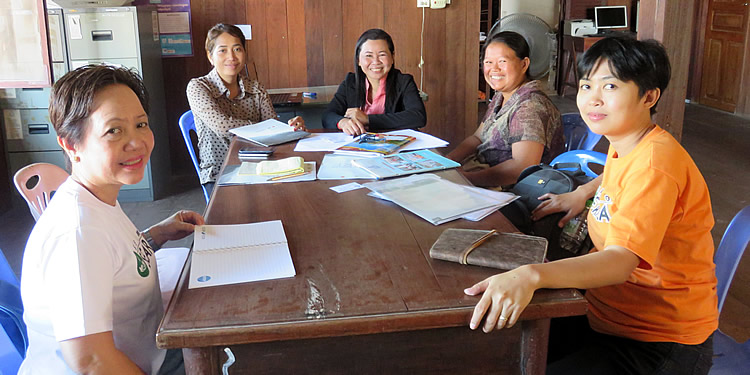 ASRF team meets the community organizers of Banteay Srei in Siem Reap.