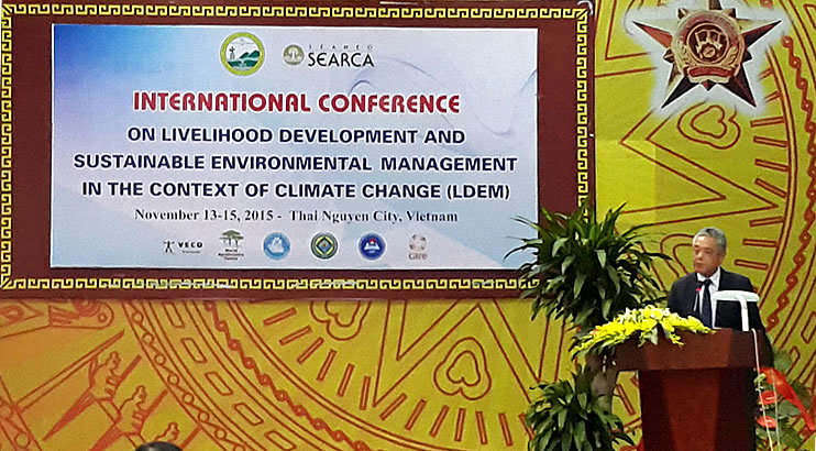 Dr Gil C. Saguiguit, Jr., SEARCA Director, opens the International Conference on Livelihood Development and Sustaibable Environmental Management (LDEM)  in the Context of Climate Change held at Thai Nguyen University of Agriculture and Forestry (TUAF) on 13-15 November 2015.