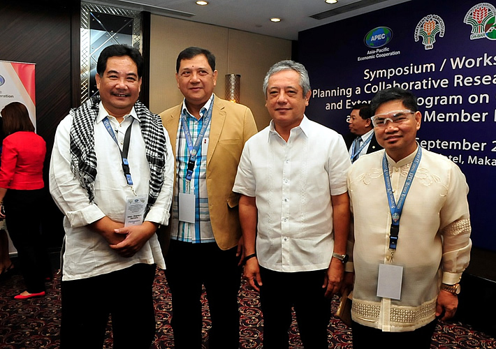 (From Left to Right) DA Usec. Segfredo Serrano, former UPLB Chancellor Dr. Luis Velasco, SEARCA Director Dr. Gil C. Saguiguit, Jr., and DA-BAR Assistant Director Dr. Teodoro Solsoloy attended the APEC symposium event.