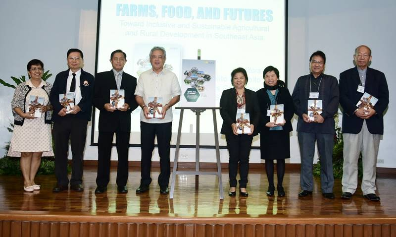 Authors and editors of the newly launched ARD Book. (From Left to Right: Dr. Lourdes S. Adriano, Dr. Nipon Poapongsakorn, Dr. Tin Htut [Guest of Honor], Dr. Gil C. Saguiguit, Jr., Dr. Doris Capistrano, Dr. Jonna P. Estudillo, Dr. Cielito F. Habito, and Dr. Larry C.Y. Wong)