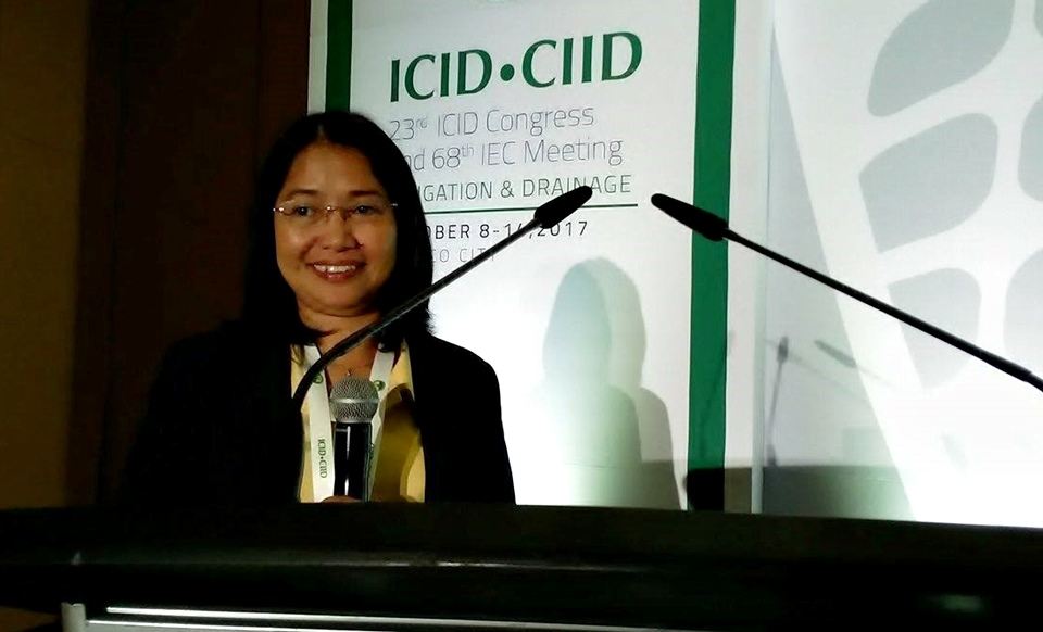 SEARCA travel grant awardee Dr. Mona Liza F. Delos Reyes presents her paper at the 23rd ICID Congress.