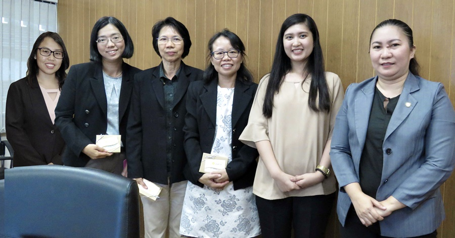 Key personnel from SEAMEO Secretariat's Finance Division led by Ms. Kornkanok Chureeganon (center), Finance Manager, posed for a photo with delegates from SEARCA.