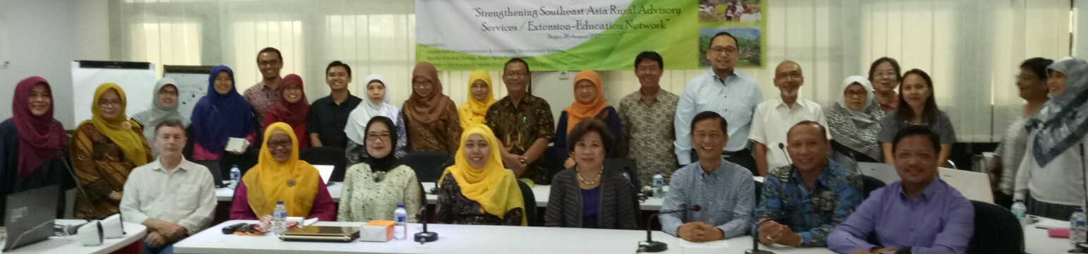 Participants to the Regional Meeting on Rural Advisory Services held on 26 August 2017 at Institut Pertanian Bogor (IPB), Bogor, West Java, Indonesia. Dr. Lope B. Santos III, SEARCA Unit Head for Project Development and Technical Services (PDTS), represented Dr. Gil C. Saguiguit Jr., SEARCA, Director, in the meeting.