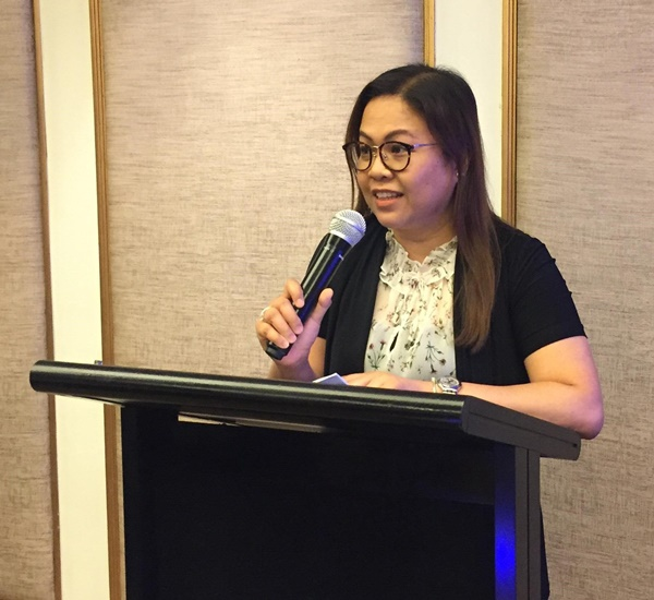 Ms. Nancy M. Landicho, Program Specialist and Officer-In-Charge of the Project Development and Technical Services of SEARCA, as she delivers the Welcome Remarks of Dr. Gil C. Saguiguit, Jr., SEARCA Director, during the Opening Program of the workshop on 16 April 2017 at Dusit Thani Hotel, Manila, Philippines.