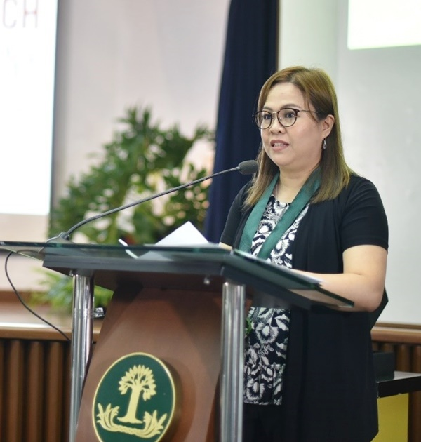 Ms. Nancy M. Landicho, SEARCA Program Specialist and Officer-in-Charge for Project Development Technical Services, gave the Welcome Remarks on behalf of Dr. Fernando C. Sanchez, Jr., Chair of SEARCA Governing Board and UPLB Chancellor.