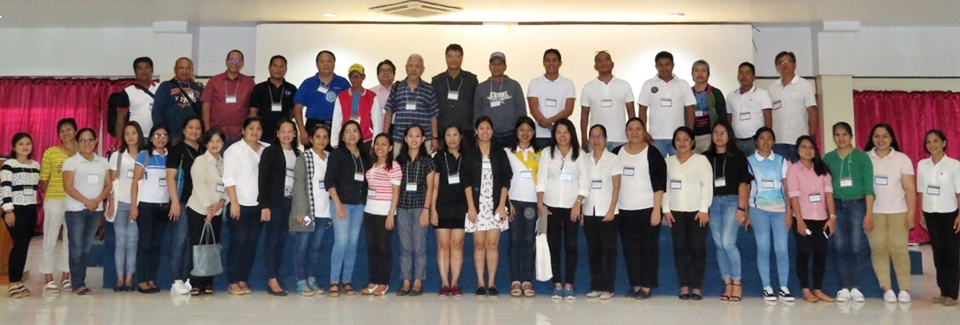 SEARCA representatives, facilitators, and participants of the Workshop on Participatory Assessment of the Gains, Challenges, and Opportunities in Piloting Effective Models of ISARD posed for a group photo at the Research, Development and Extension (RDE) Hall, Visayas State University, Baybay City, Leyte