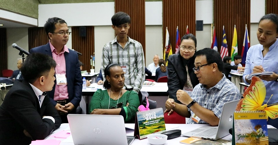 Young Scientists Meet with Experts for Mentoring on their Collaborative Research on Climate Change Adaptation and Mitigation