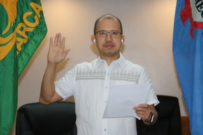 SEARCA chief takes oath as CHED Technical Panel for Agriculture Chair